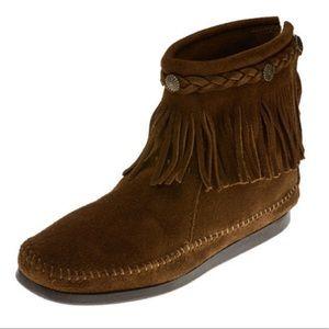 9 MINNETONKA High Top Fringe Moccasin Boots Boho